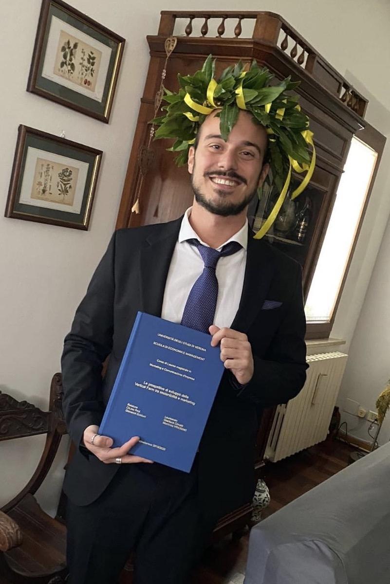 Gianluca Cimatti, neolaureato in marketing e comunicazione d'impresa